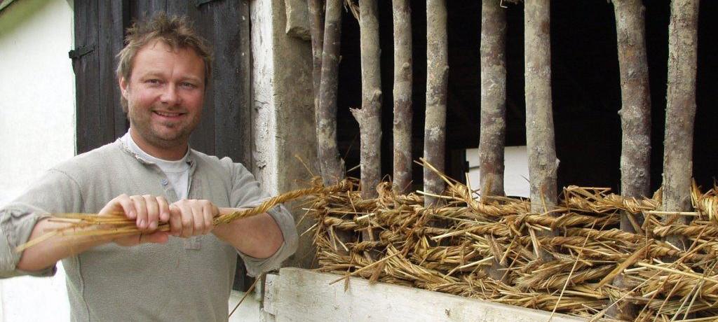 Henrik Nilsson halmflätning av stagavägg